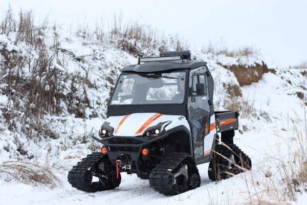 Linhai_utv_diesel_white_predobok_front_side_na snijegu